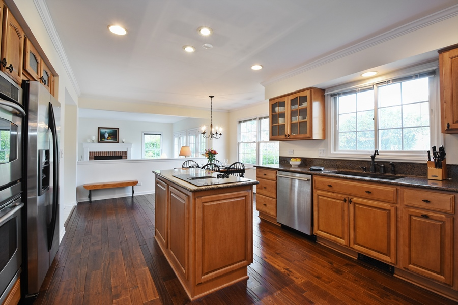 Real Estate Photography - 1230 Whitehall Court, Lake Zurich, IL, 60047 - Kitchen