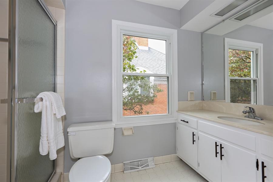 Real Estate Photography - 9 Hamill Lane, Clarendon Hills, IL, 60514 - Master Bathroom