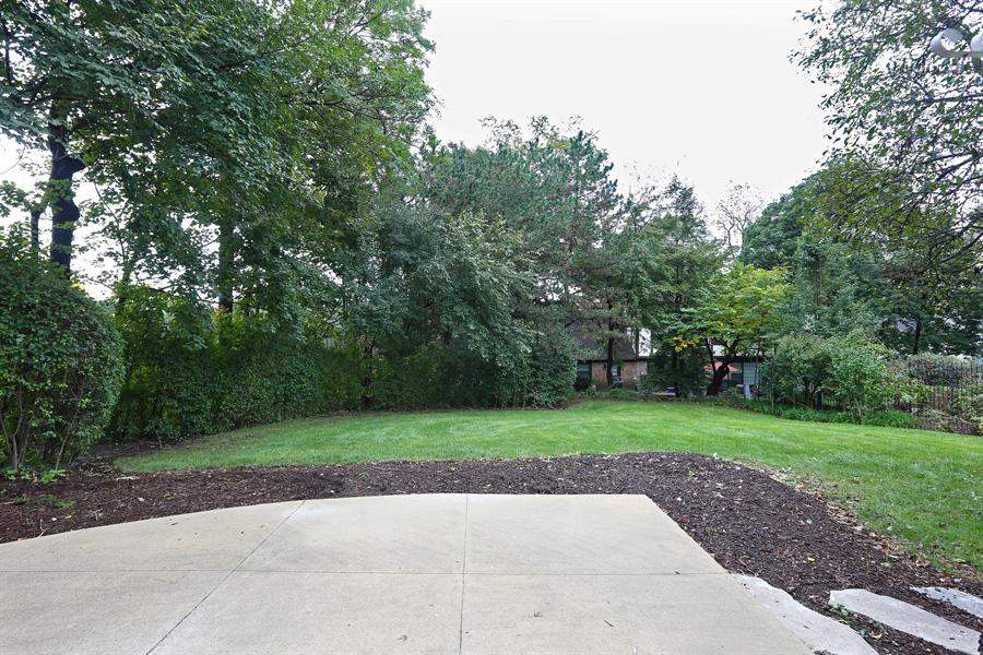 Real Estate Photography - 9 Hamill Lane, Clarendon Hills, IL, 60514 - Back Yard