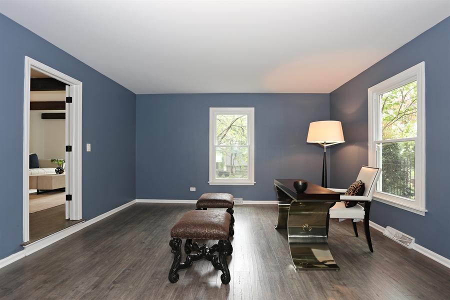 Real Estate Photography - 9 Hamill Lane, Clarendon Hills, IL, 60514 - Office
