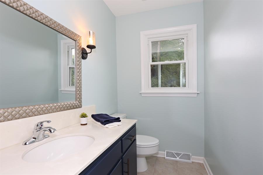 Real Estate Photography - 9 Hamill Lane, Clarendon Hills, IL, 60514 - Powder Room