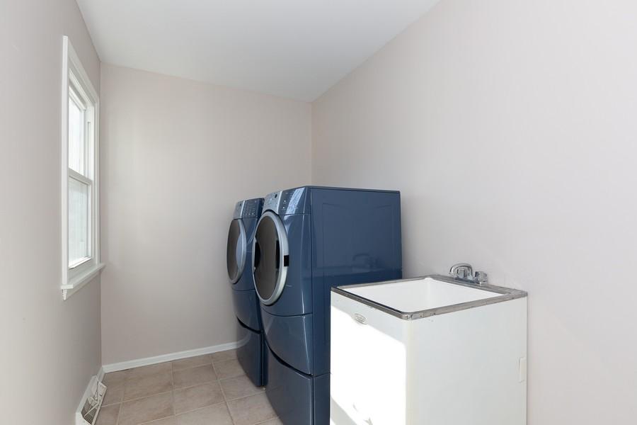 Real Estate Photography - 9 Hamill Lane, Clarendon Hills, IL, 60514 - Laundry Area