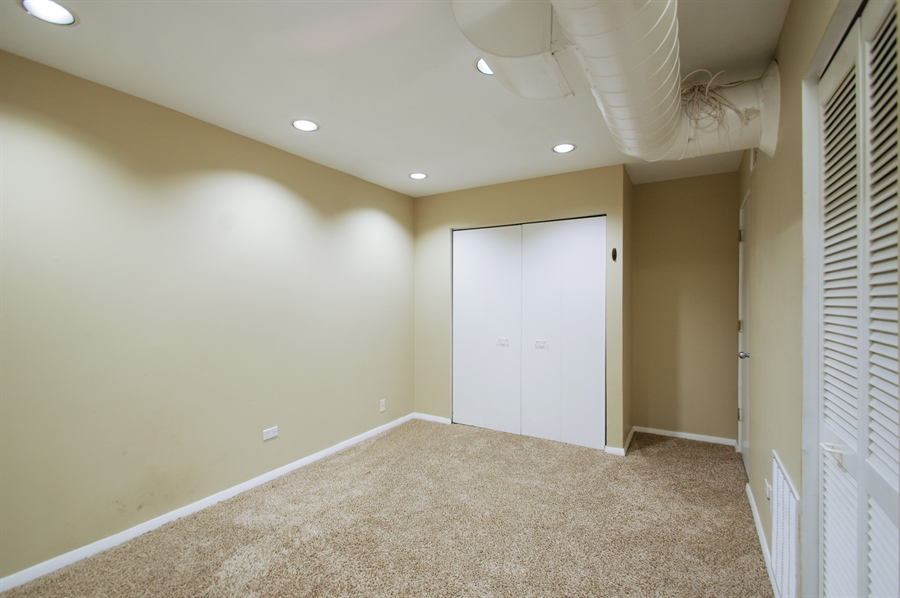 Real Estate Photography - 1130 W Cornelia Ave, C, Chicago, IL, 60657 - 2nd Bedroom