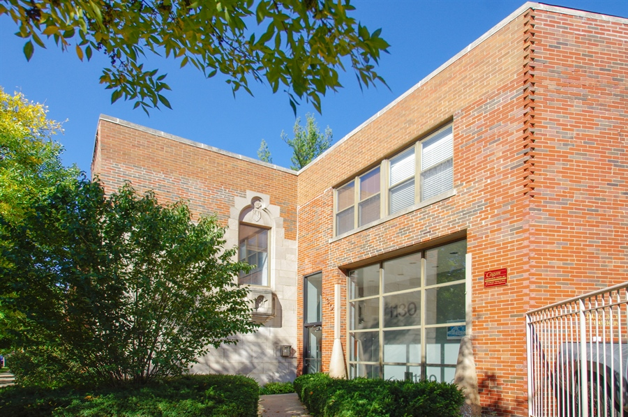 Real Estate Photography - 1130 W Cornelia Ave, C, Chicago, IL, 60657 - Front View