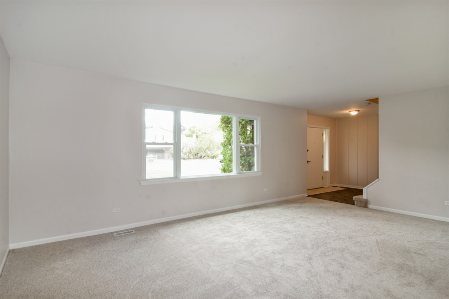 Real Estate Photography - 1111 N King Charles Ct,, Palatine, IL, 60067 - Living Room
