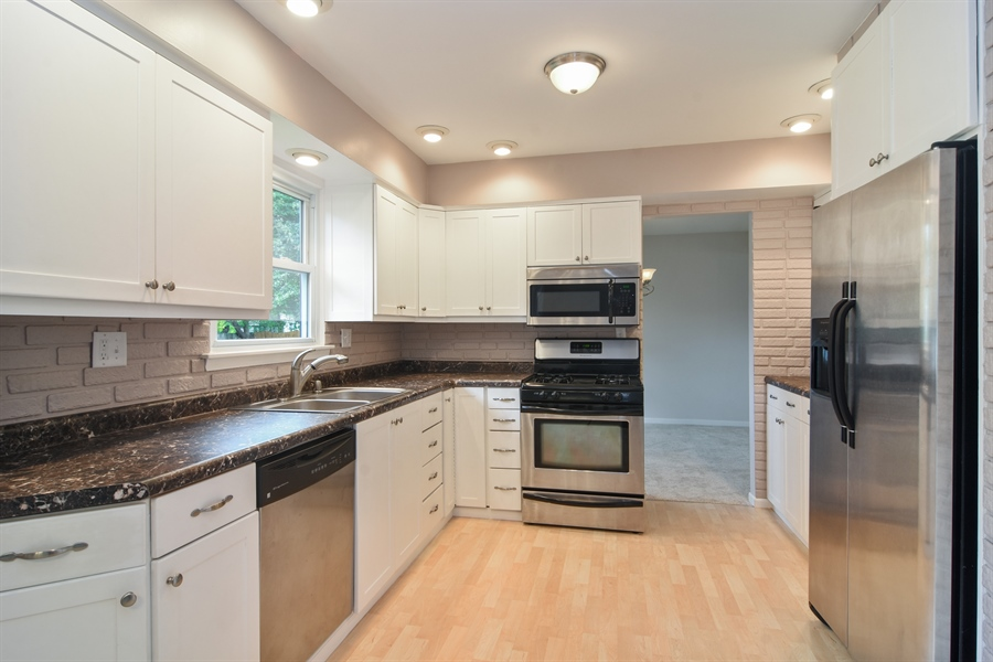 Real Estate Photography - 1111 N King Charles Ct,, Palatine, IL, 60067 - Kitchen