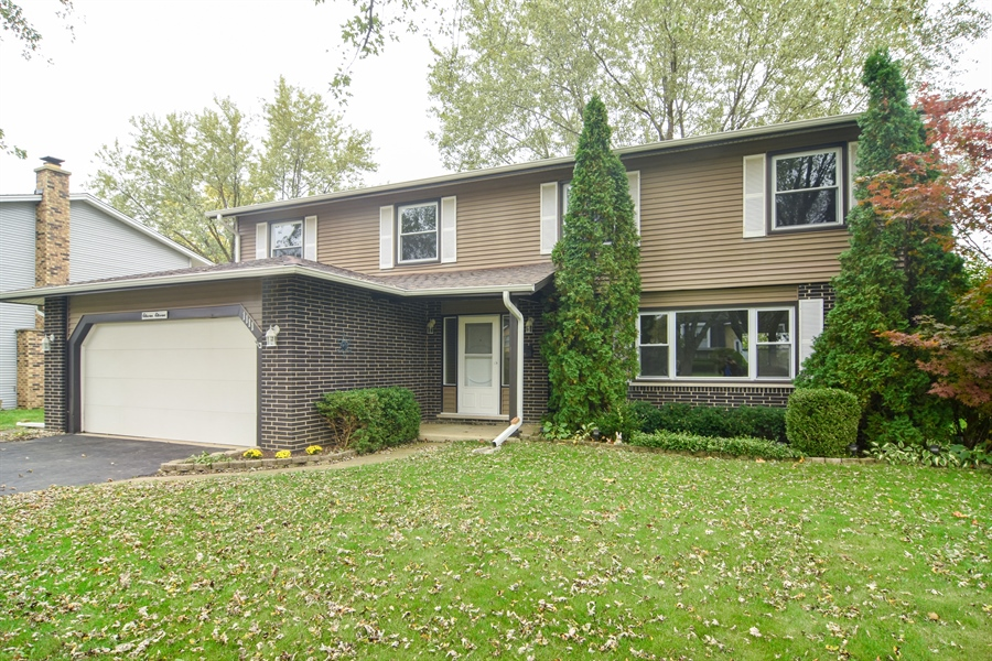 Real Estate Photography - 1111 N King Charles Ct,, Palatine, IL, 60067 - Front View