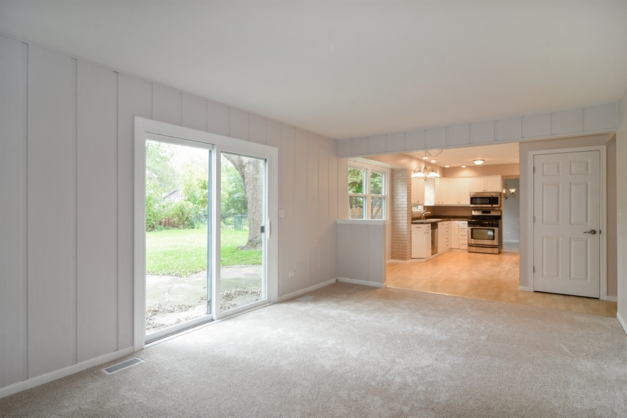 Real Estate Photography - 1111 N King Charles Ct,, Palatine, IL, 60067 - Family Room / Kitchen
