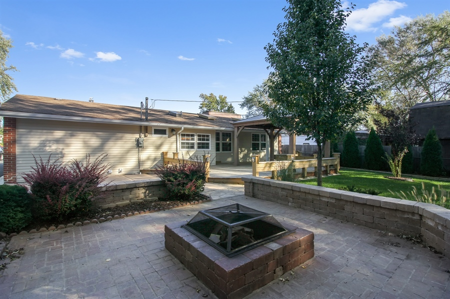 Real Estate Photography - 1210 WESTMORE MEYERS, LOMBARD, IL, 60148 - Deck