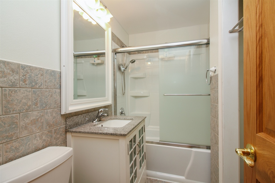 Real Estate Photography - 1210 WESTMORE MEYERS, LOMBARD, IL, 60148 - Bathroom