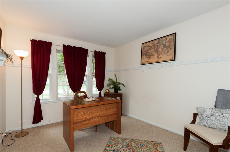 Real Estate Photography - 2082 Wildwood Ln., Hanover Park, IL, 60133 - Office