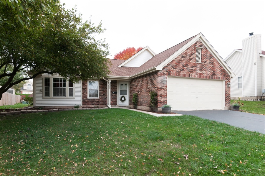 Real Estate Photography - 2082 Wildwood Ln., Hanover Park, IL, 60133 - Front View