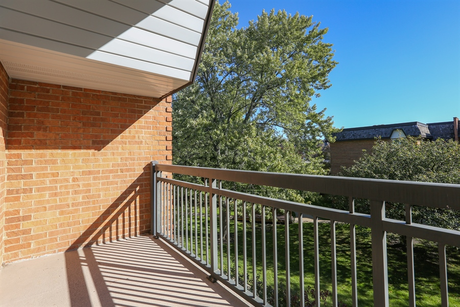 Real Estate Photography - 4250 Saratoga Ave., L309, Downers Grove, IL, 60515 - Balcony