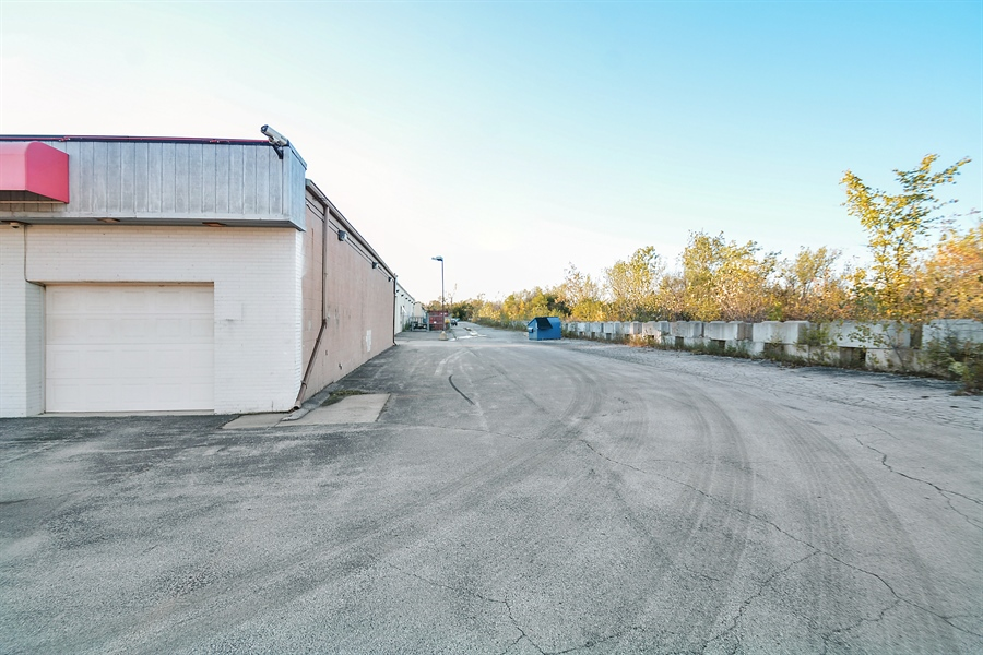 Real Estate Photography - 5510 W Cal Sag Rd, 1, Alsip, IL, 60803 - Location 3