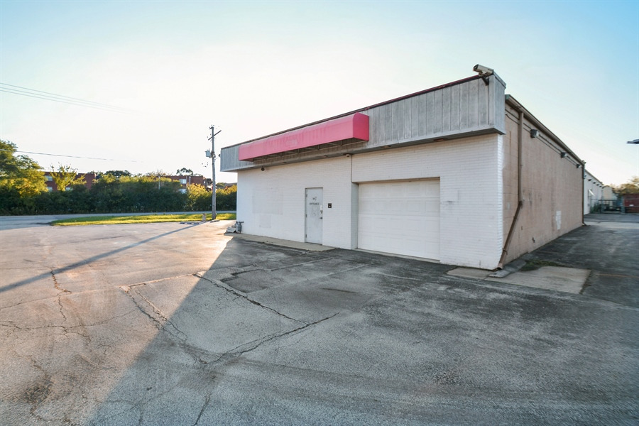 Real Estate Photography - 5510 W Cal Sag Rd, 1, Alsip, IL, 60803 - Location 6