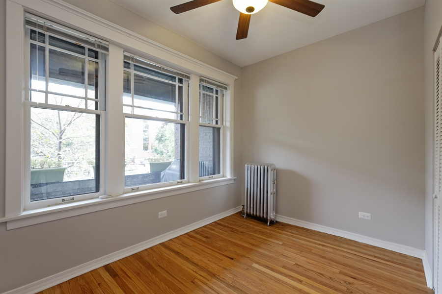 Real Estate Photography - 1349 W. Sunnyside, 1, Chicago, IL, 60640 - Bedroom