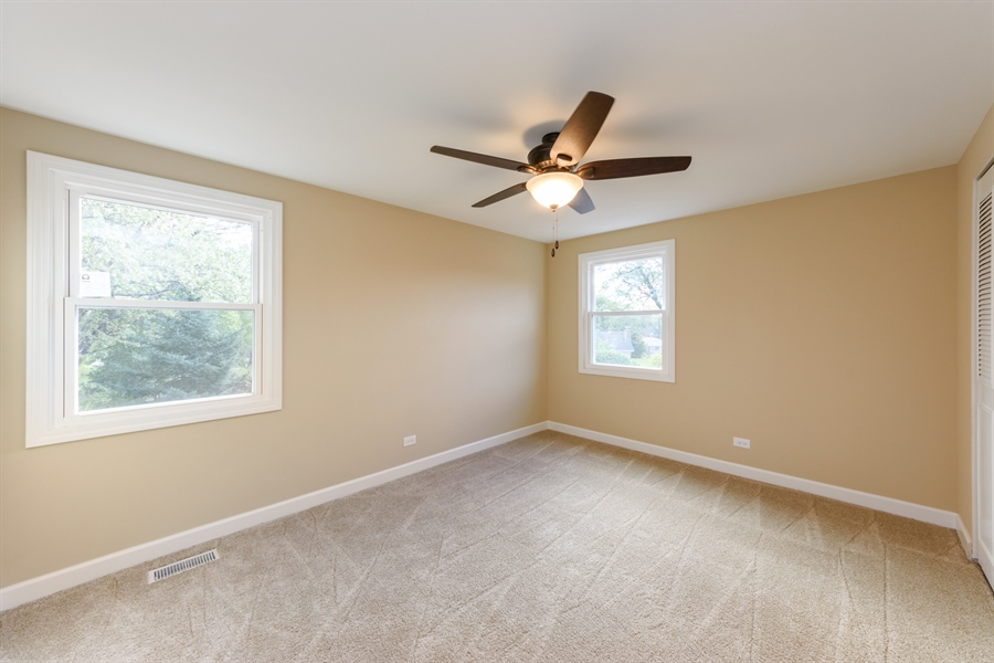 Real Estate Photography - 660 Essington Ln, Buffalo Grove, IL, 60089 - 3rd Bedroom