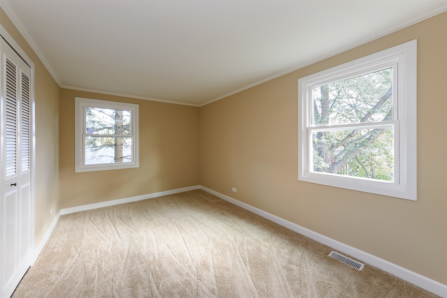 Real Estate Photography - 660 Essington Ln, Buffalo Grove, IL, 60089 - 4th Bedroom