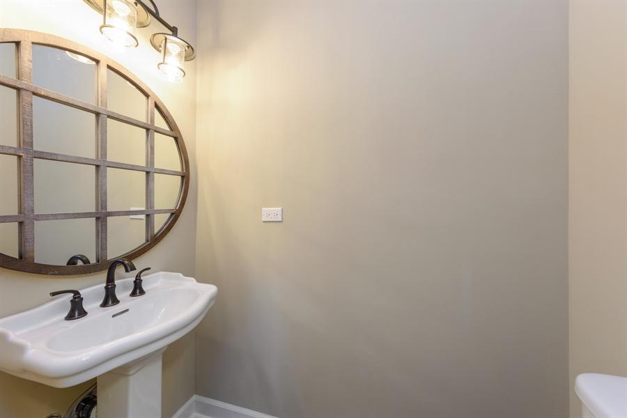 Real Estate Photography - 660 Essington Ln, Buffalo Grove, IL, 60089 - Powder Room