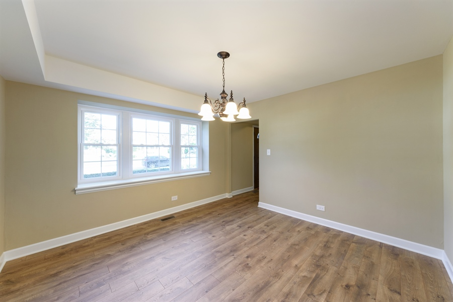 Real Estate Photography - 660 Essington Ln, Buffalo Grove, IL, 60089 - Dining Room