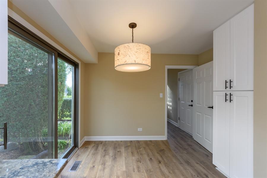 Real Estate Photography - 660 Essington Ln, Buffalo Grove, IL, 60089 - Breakfast Area