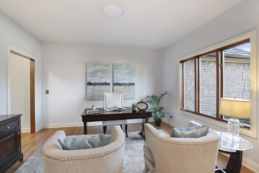 Real Estate Photography - 521 Ford LN, Bartlett, IL, 60103 - Living Room