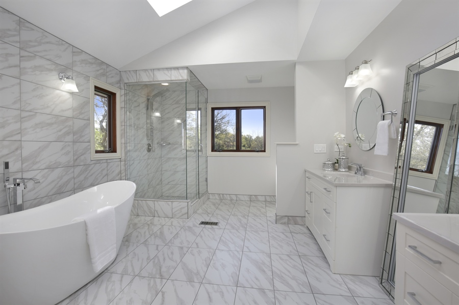 Real Estate Photography - 521 Ford LN, Bartlett, IL, 60103 - Master Bathroom