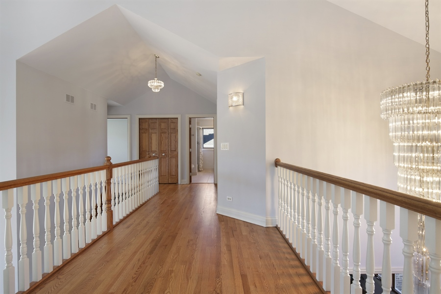 Real Estate Photography - 521 Ford LN, Bartlett, IL, 60103 - Hallway