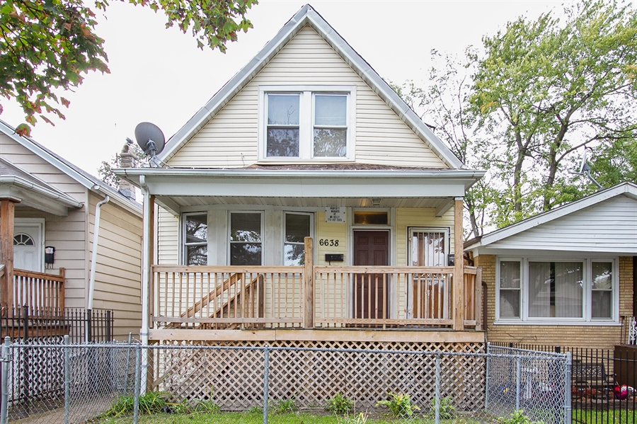 Real Estate Photography - 6638 S Seeley, Chicago, IL, 60636 - Front View