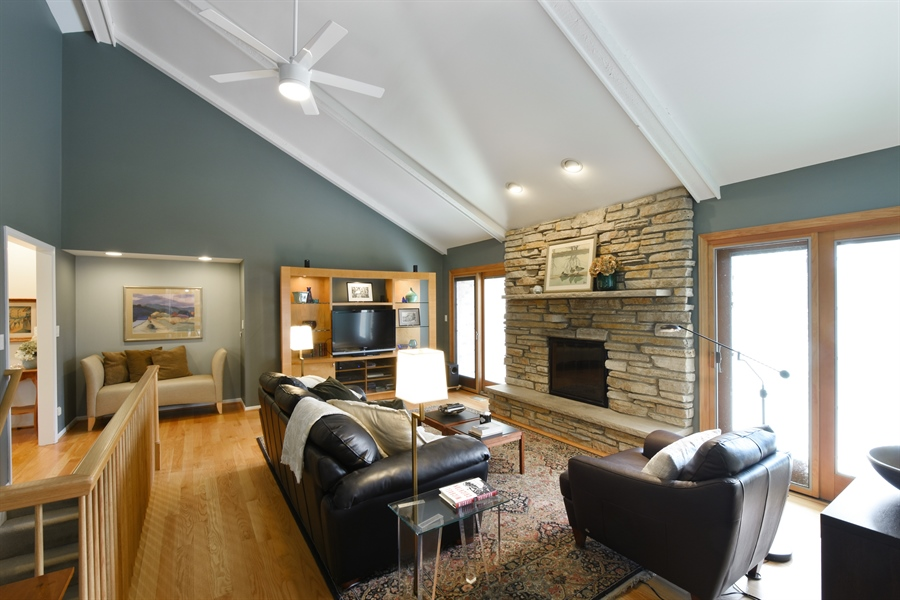 Real Estate Photography - 2120 Applecross, Inverness, IL, 60010 - Family Room