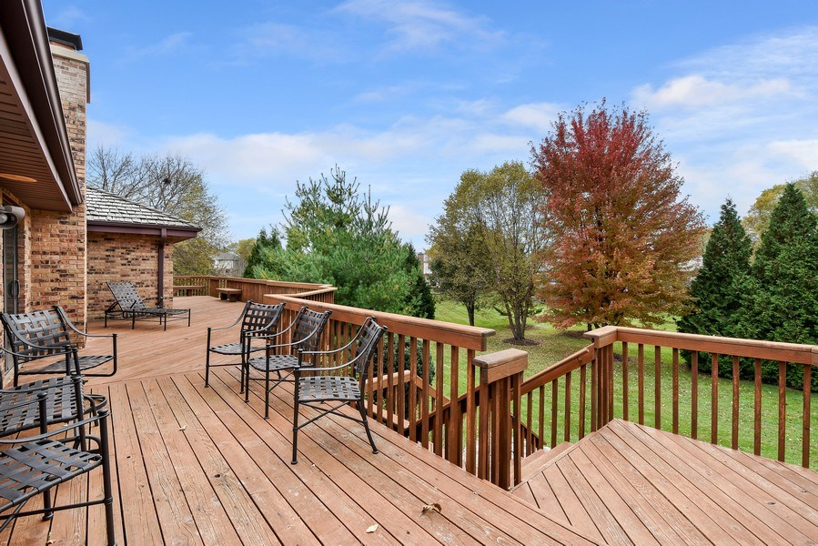 Real Estate Photography - 2120 Applecross, Inverness, IL, 60010 - Deck