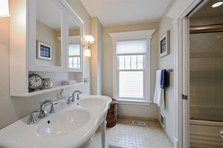 Real Estate Photography - 4325 Grand Avenue, Western Springs, IL, 60558 - Hallway Bathroom