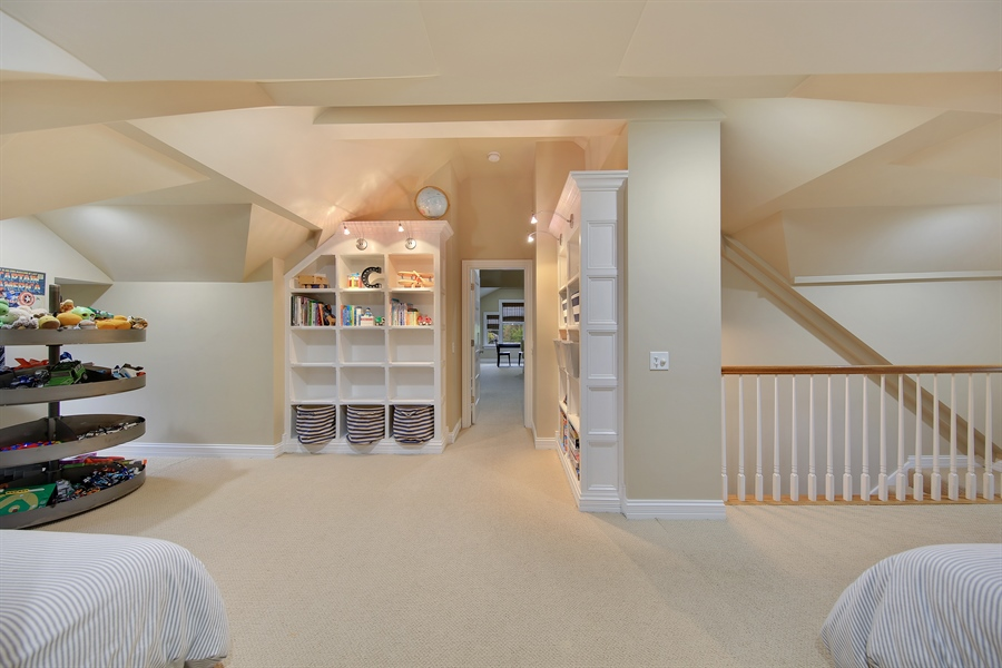 Real Estate Photography - 4325 Grand Avenue, Western Springs, IL, 60558 - 3rd Floor Loft