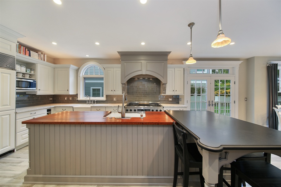 Real Estate Photography - 4325 Grand Avenue, Western Springs, IL, 60558 - Kitchen