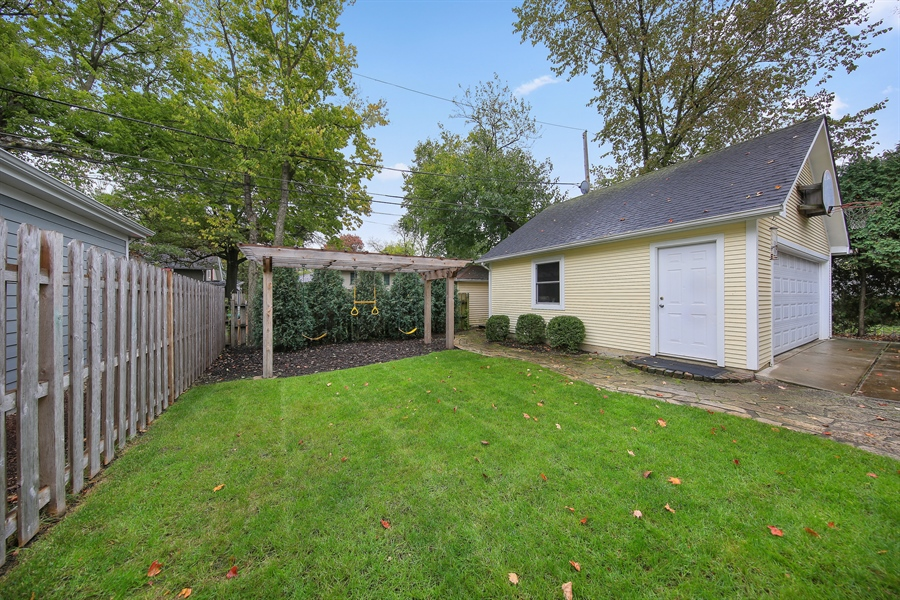 Real Estate Photography - 4325 Grand Avenue, Western Springs, IL, 60558 - Back Yard