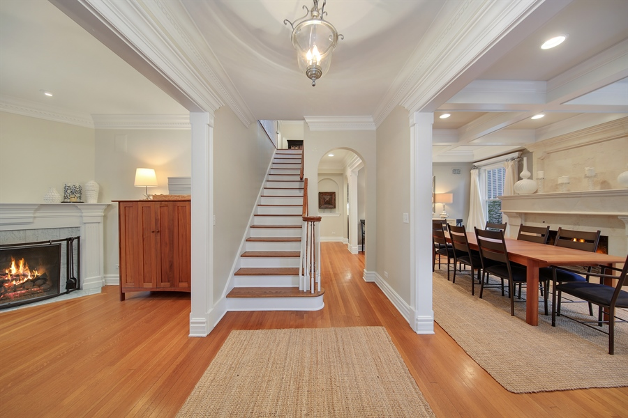 Real Estate Photography - 4325 Grand Avenue, Western Springs, IL, 60558 - Foyer