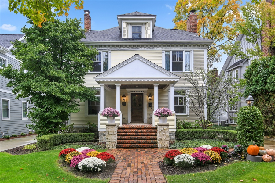 Real Estate Photography - 4325 Grand Avenue, Western Springs, IL, 60558 - Front View