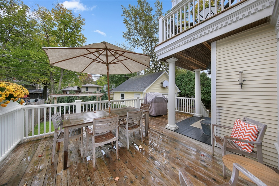 Real Estate Photography - 4325 Grand Avenue, Western Springs, IL, 60558 - Deck