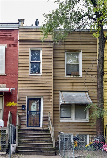 Real Estate Photography - 6708 S Parnell Ave, Chicago, IL, 60621 - Front View