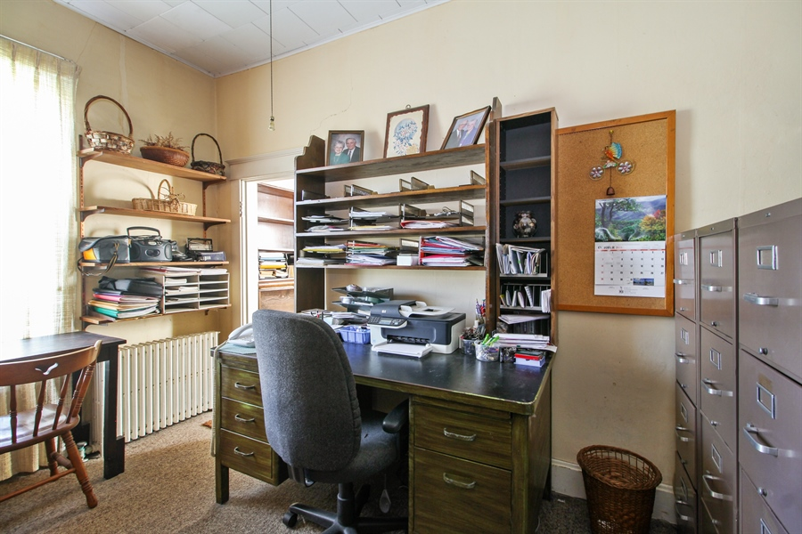 Real Estate Photography - 11705 N 16000E Rd, Grant Park, IL, 60940 - Office