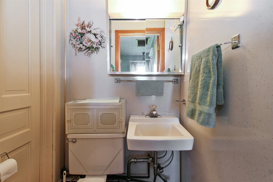 Real Estate Photography - 11705 N 16000E Rd, Grant Park, IL, 60940 - 2nd Bathroom