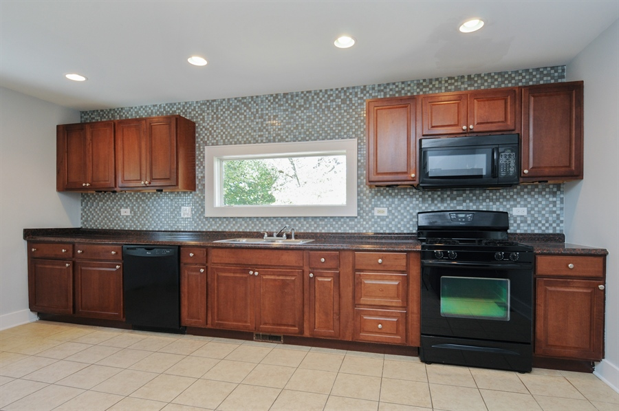 Real Estate Photography - 361 Sullivan Road, Aurora, IL, 60506 - Kitchen