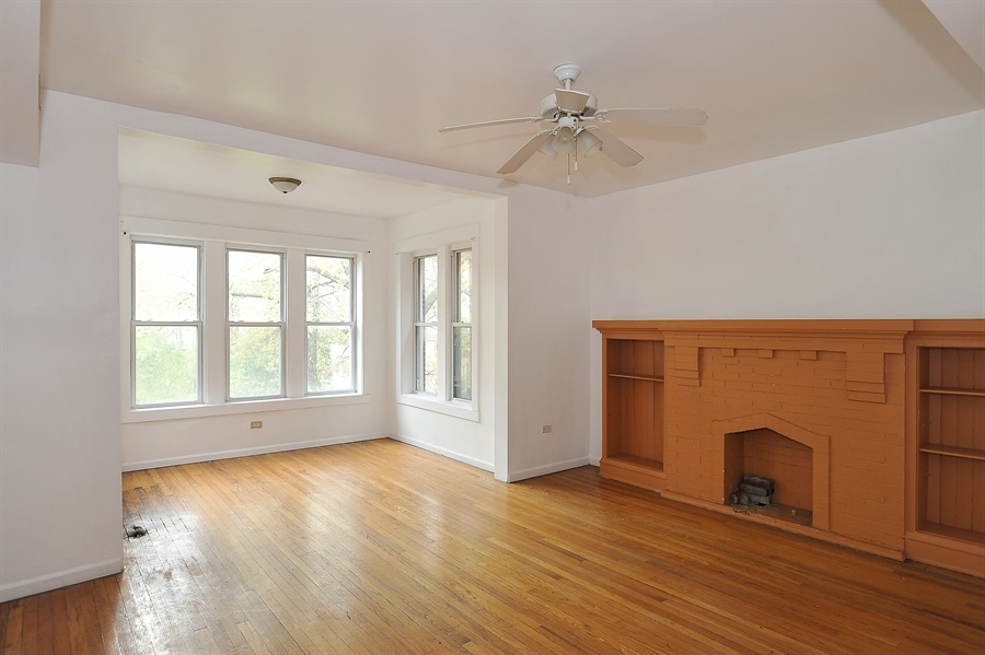 Real Estate Photography - 1507 E 69th Pl, Chicago, IL, 60637 - Living Room