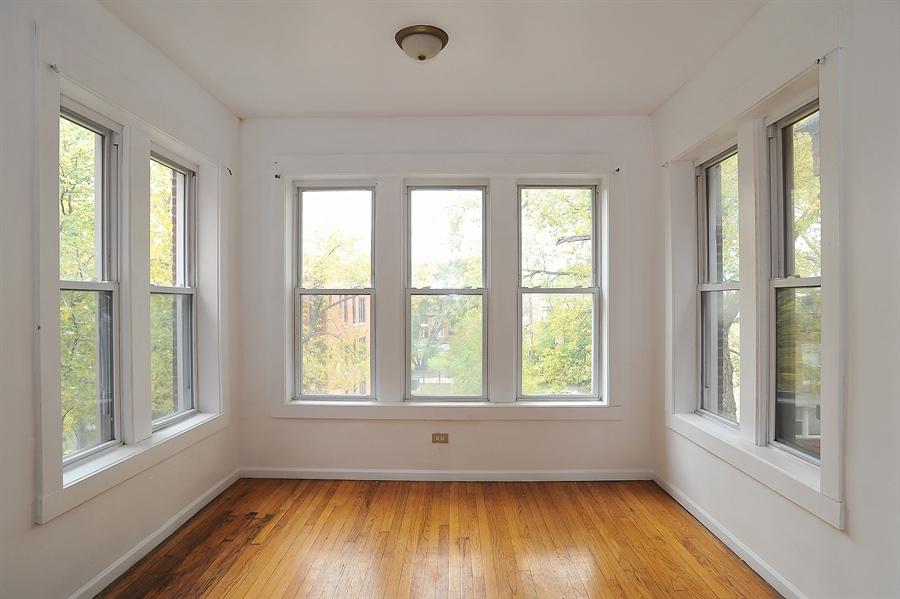 Real Estate Photography - 1507 E 69th Pl, Chicago, IL, 60637 - Sun Room