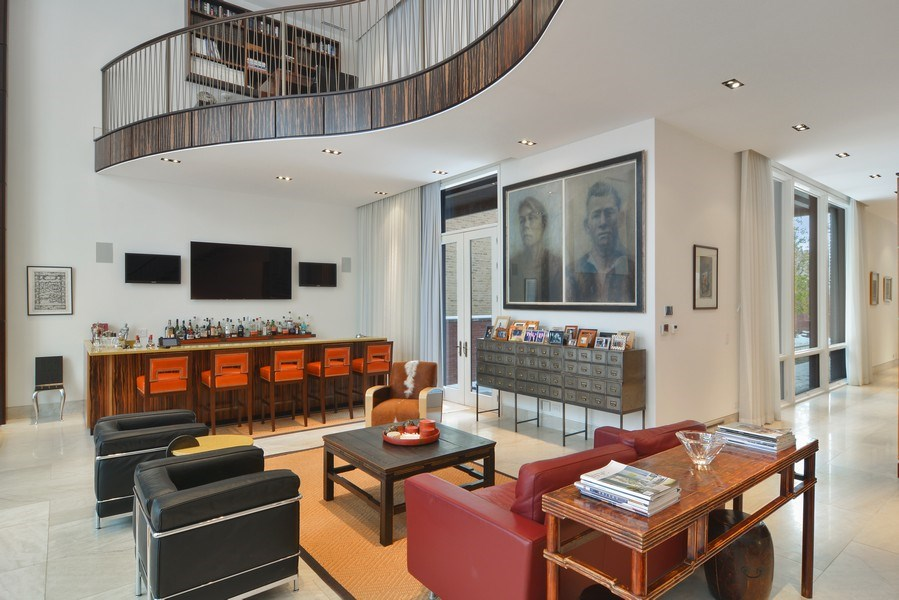 Real Estate Photography - 520 N Armour, Chicago, IL, 60642 - Bar
