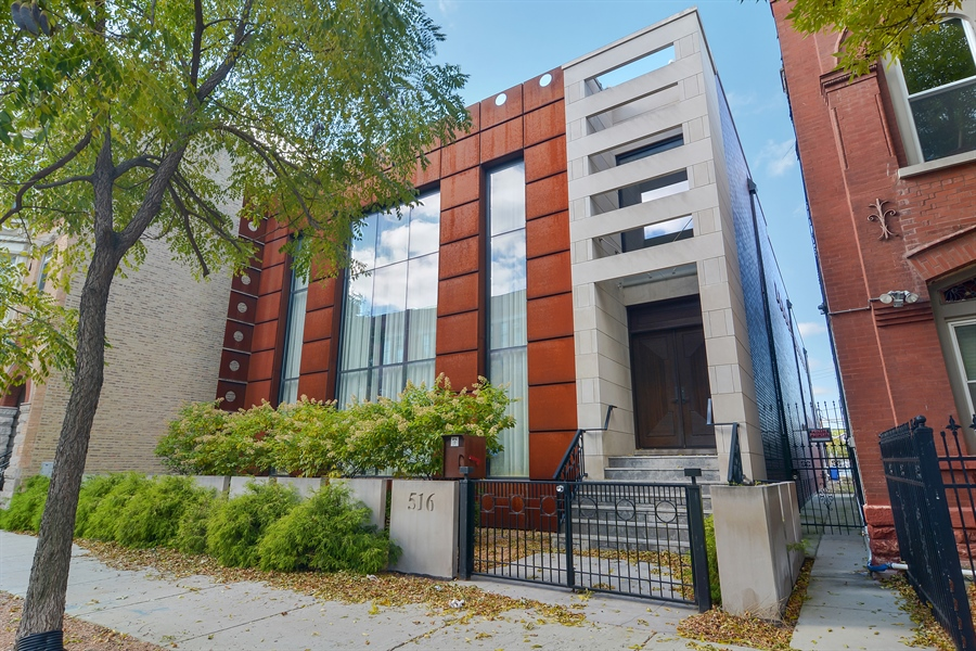 Real Estate Photography - 520 N Armour, Chicago, IL, 60642 - Front View