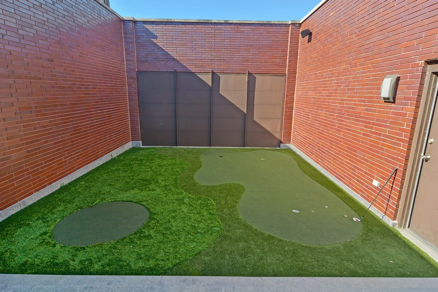 Real Estate Photography - 520 N Armour, Chicago, IL, 60642 - Putting Green