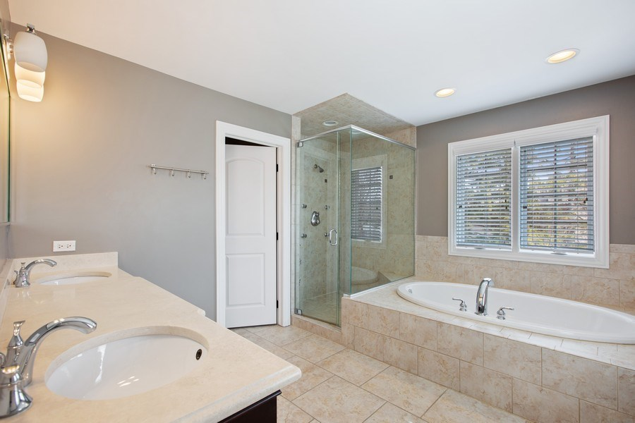 Real Estate Photography - 937 Kenyon St, Downers Grove, IL, 60516 - Master Bathroom