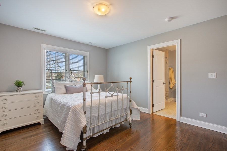 Real Estate Photography - 937 Kenyon St, Downers Grove, IL, 60516 - Bedroom 2