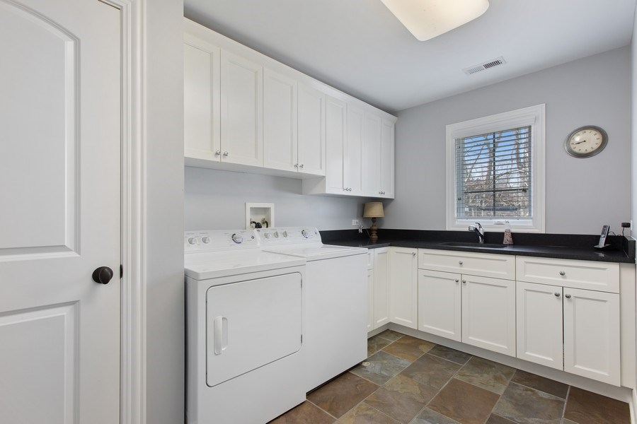 Real Estate Photography - 937 Kenyon St, Downers Grove, IL, 60516 - Laundry Room